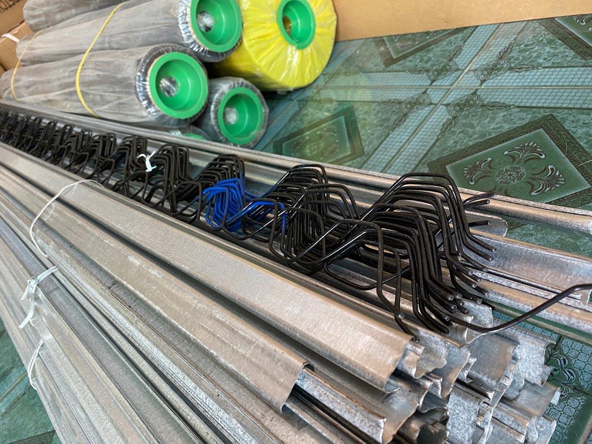 zigzag bọc nhựa gài nhà lưới